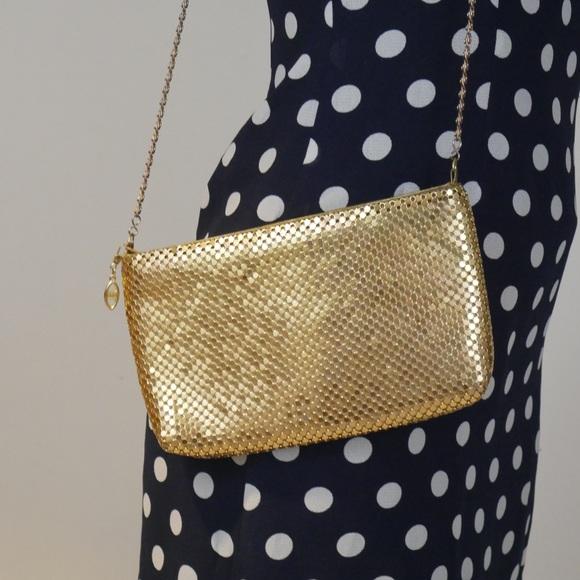 Vintage Handbags - ‼️$20 SALE‼️ VTG Flashy 80s Gold Clutch Crossbody